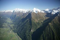 Filmflug-Fotoflug-Panorama-Aufnahmen-Industrieaufnahmen-Vermessungsaufnahmen-Landschaftsaufnahmen-Panoramabilder-Luftaufnahmen-Hubschrauber-Helikopter-Experten-Aerial